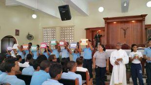 ninos-en-la-eucaristia-en-la-parroquia-2017